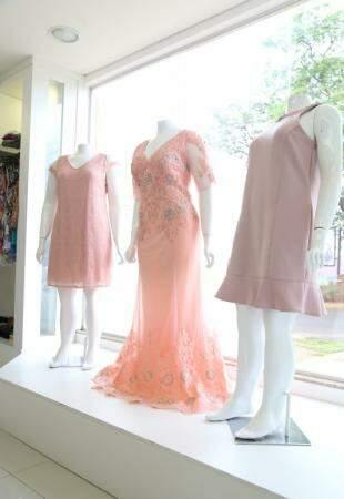 Tendência de fim de ano, os tons rosas aparecem em peças sofisticadas.