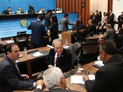 Deputados aprovam mudança na forma de avaliar orçamento estadual