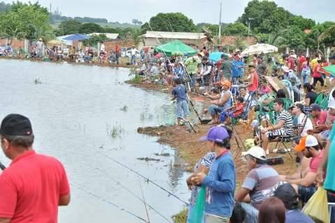 Famílias aproveitam feriado santo e participam de atividades da Festa do Peixe