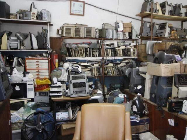 Sala é lotada de relíquias. (Foto: Cleber Gellio)