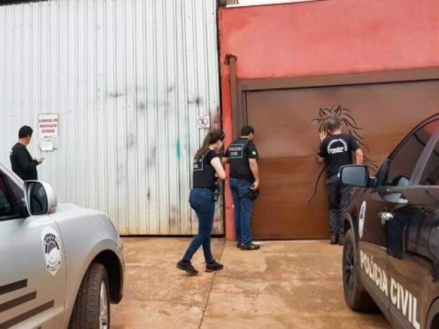 Policiais civis durante operação (Foto: Divulgação Polícia Civil)