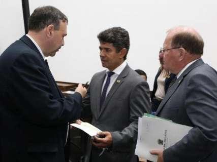 """Deputados criticam """"falta de controle"""" durante pré-campanha em 2018"""