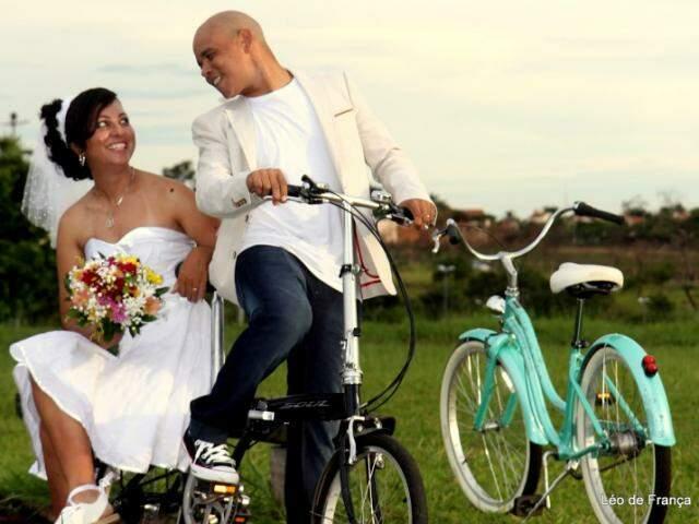 Elijane e Nilson prometeram pedalar juntos para sempre. (Foto:  Leonardo de França)