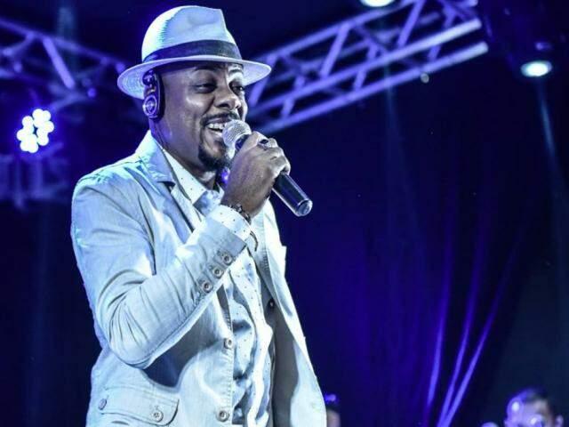 Chokito nasceu no Rio, mudou-se para Campo Grande em 1991 e apresenta músicas autorais e releituras do samba raiz. (Foto: Acervo Pessoal)