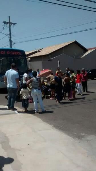 O acidente chamou atenção de moradores e populares do local.(Foto:Colaboração)