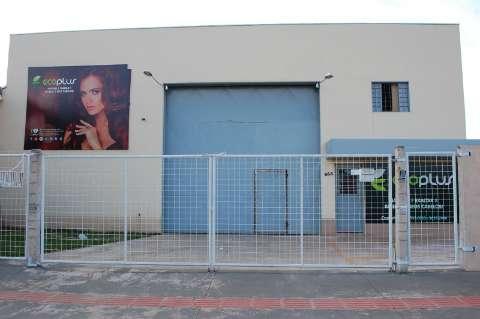 Decon fecha fábrica clandestina de produtos de beleza no Carandá Bosque