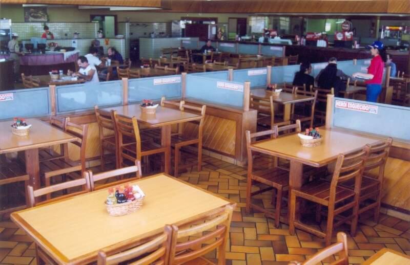 Restaurante tinha até fila para receber clientes.