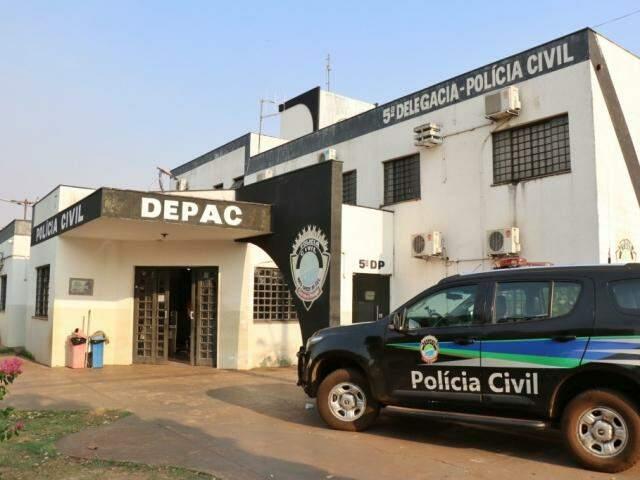 O caso foi registrado na Depac (Delegacia de Pronto Atendimento Comunitário) da Vila Piratininga.(Foto: Henrique Kawaminami)