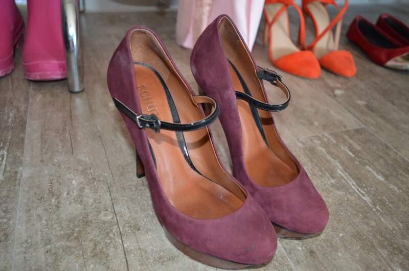 Sapato Schutz por R$ 60,00.