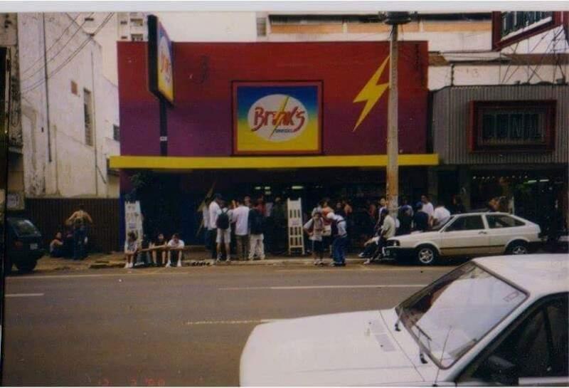 A única foto que encontramos da Brink's, no segundo endereço, na 13 de maio, entre a Afonso Pena e a Barão (Foto: Arquivo pessoal/ Patrick Weiller)