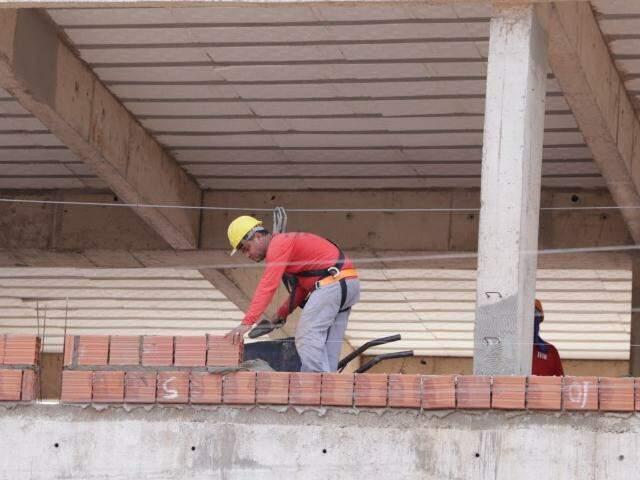 Construção civil terminou dezembro com saldo negativo em geração de empregos (Foto: Kísie Ainoã)