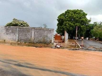 Com 53 ruas danificadas pela chuva, Coxim decreta estado de emergência