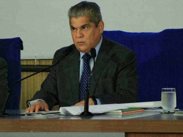 Presidente do TCE, Waldir Neves, em evento nesta segunda-feira (Foto: Marina Pacheco)