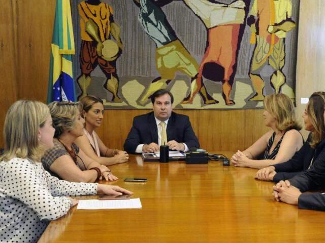 Ato de criação do grupo foi feito ontem, em reunião com presidente da Câmara, Rodrigo Maia (Foto: Luís Macedo/Câmara dos Deputados)