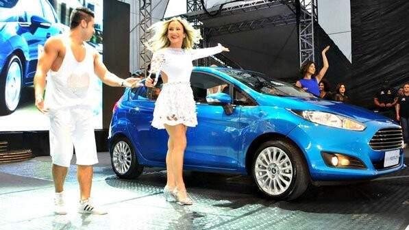 Claudia Leitte apresentando o New Fiesta (Foto: Divulgação)