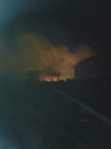 Incêndio durou quase 2h. (Foto: WhatsApp)