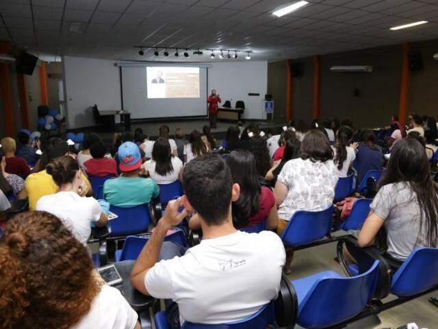 Disciplina será oferecida na Faculdade de Odontologia da UFMS (Foto: Kisie Ainoã)