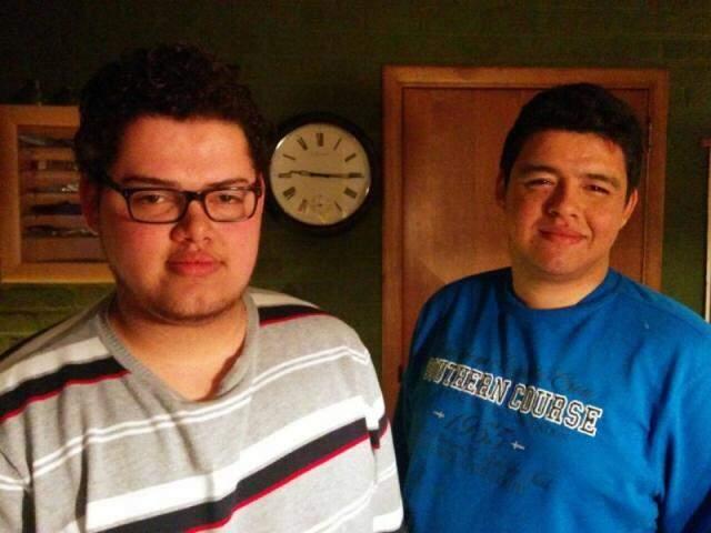 Deivid e Danilo não perdem as esperanças de encontrar a mãe nascida em Campo Grande. (Foto: Arquivo Pessoal)