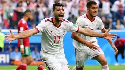 Sai o primeiro gol contra da Copa e Irã vence Marrocos por 1 a 0