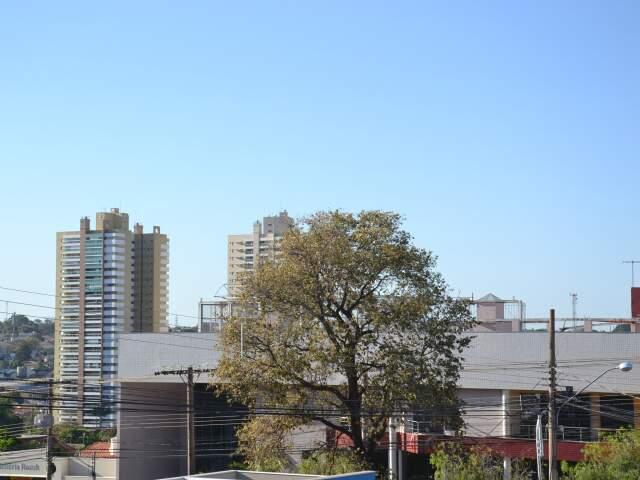 Em Campo Grande, os termômetros marcam agora 22°C e logo pela manhã, a umidade estava em 40%. (Foto: Minamar Júnior)