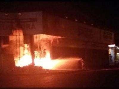 Empresas de traficante executado são incendiadas em Pedro Juan Caballero