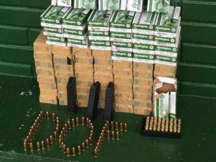 Mulher é presa com 4 mil munições em ônibus na fronteira