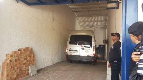 Amorim, Giroto e mais 2 presos chegam ao Centro de Triagem