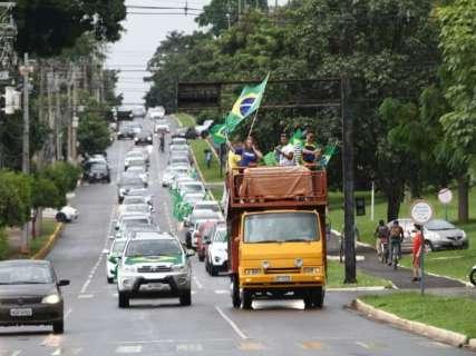 Grupos comemoram na Afonso Pena condenação de Lula à prisão