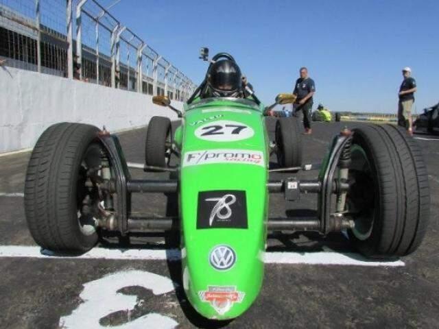 Prova com os carros da Fórmula Vee foi adiada e ainda não tem nova data (Foto: Divulgação)