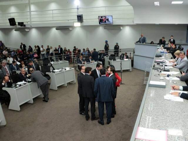 Vereadores durante uma das sessões da Câmara. (Foto: Divulgação)
