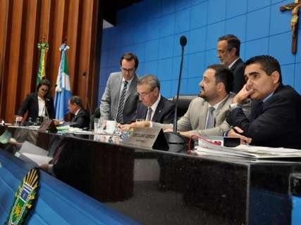 Por unanimidade, Refis e nota fiscal premiada passam em 2ª votação