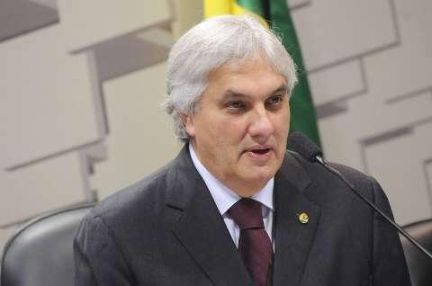 Conselho avalia na quarta se troca relator de processo contra Delcídio