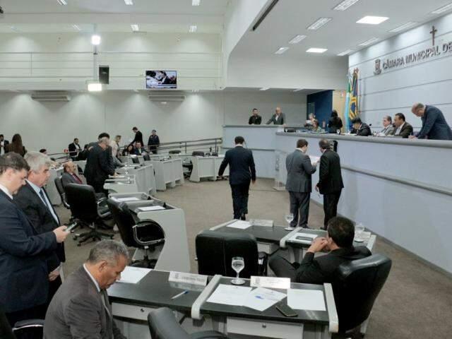 Quatro projetos foram aprovados durante a sessão desta quinta-feira (Foto: Izaias Medeiros/CMCG)