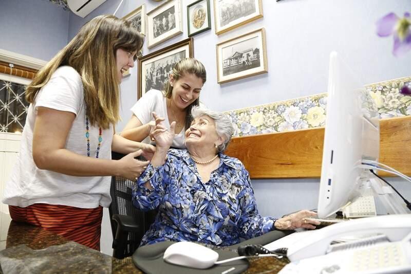 Carol, Nina e Elza montaram o blog juntas sobre maternidade (Foto: Gerson Walber)
