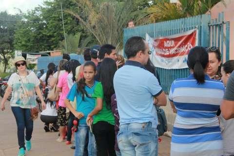Primeiro dia de vacina contra gripe liberada tem filas em postos de saúde