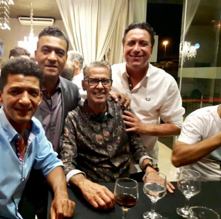 Liminha, Lima, Wilson, sentado, e Amarildo, encontro de ex-craques operarianos (Foto: Raul Rodrigues/Divulgação