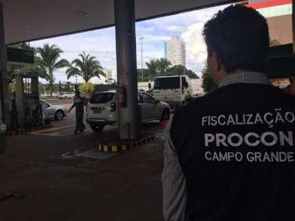 Procon percorre postos para detectar preços abusivos de combustíveis