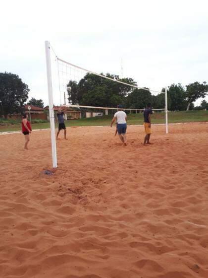 Vôlei de areia, uma das limitadas opções de lazer no distrito (Foto: Divulgação)