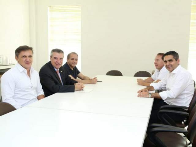Deputados eleitos Lucas de Lima, Paulo Corrêa, Carlos Alberto David, Gerson Claro e Herculano Borges reunidos (Foto: Kísie Ainoã)