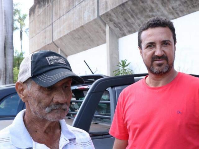 Alciso Ferreira e o filho vieram de Nova Alvorada do Sul (Foto: Henrique Kawaminami)