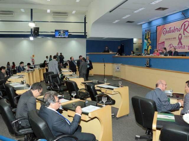 Sessão na Câmara Municipal de Campo Grande. (Foto: Izaías Medeiros).