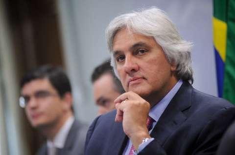 Delcídio pede nova licença e adia mais uma vez o retorno ao Senado