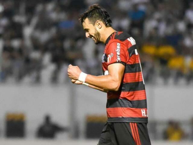O atacante Henrique Dourado comemorando o seu gol da vitória, na partida. (Foto: FlamengoFC)