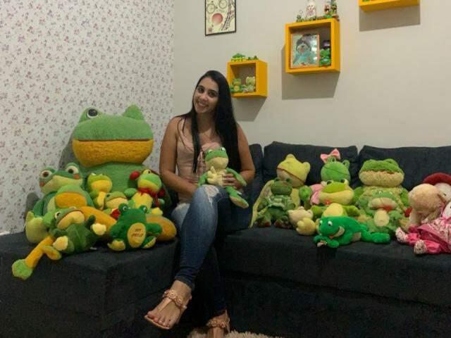 Layara comprou e ganhou vários sapos (Foto: Arquivo pessoal)