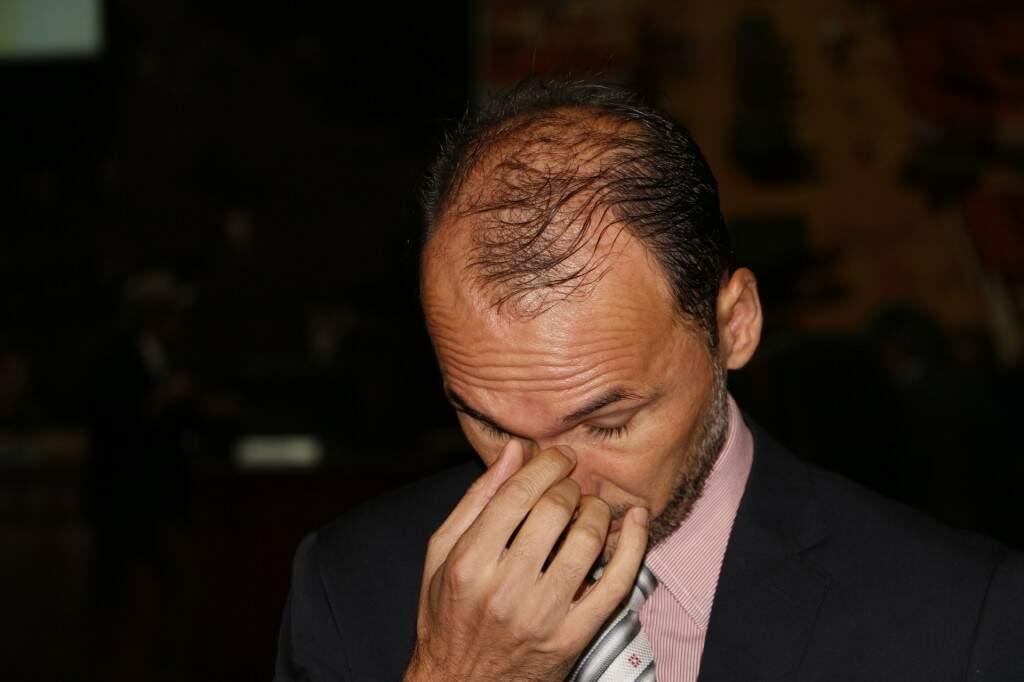 Junior Rodrigues emitiu relatório pela absolvição de Cirilo, mas deu parecer pela cassação de Idenor (Foto: Helio de Freitas)