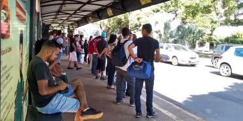Com ônibus a R$ 3,95, passageiros criticam qualidade do serviço