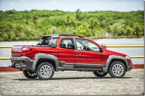Fiat lança Strada 2014 com novo visual e porta extra na versão cabine dupla