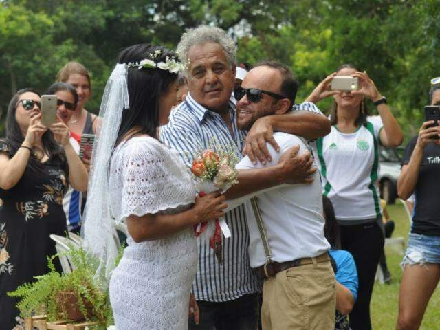 Casamento reuniu cerca de 100 pessoas entre amigos e família (Foto: Elza Solange/arquivo pessoal)