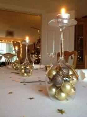 Além de bolas de Natal, as taças podem ser transformar em porta velas
