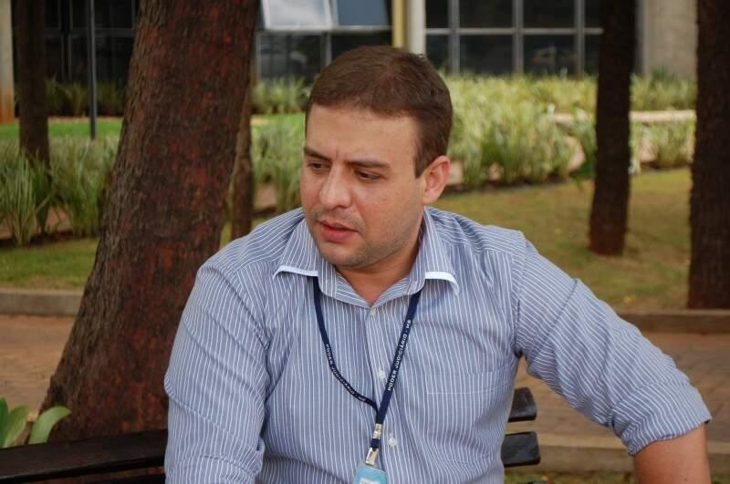 Rodrigo sonha em ser agente da PRF e por isso, estuda até sete horas por dia. (Foto: Alessandro Martins)